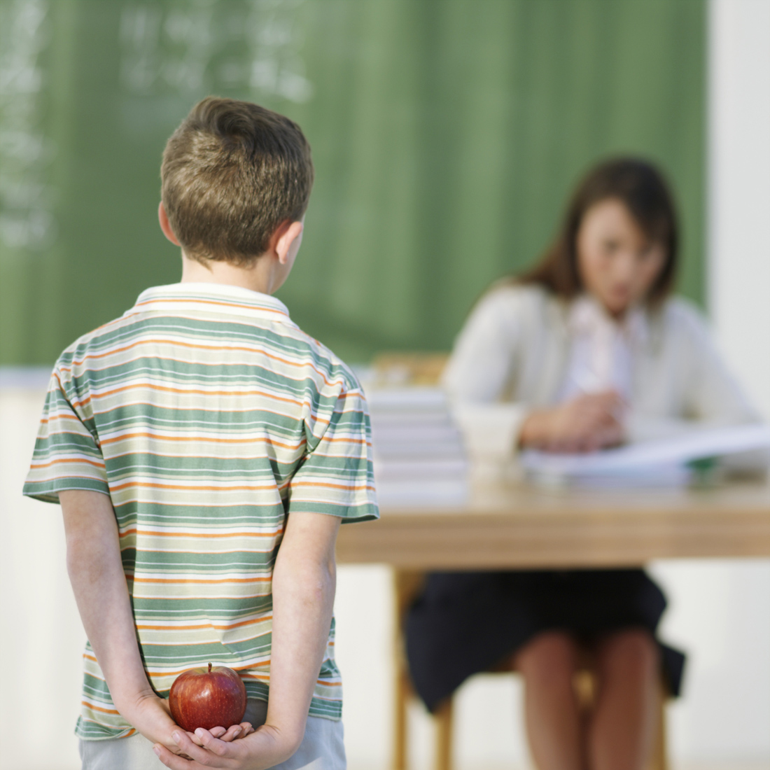 Учитель с учеником целуется 18 фотография